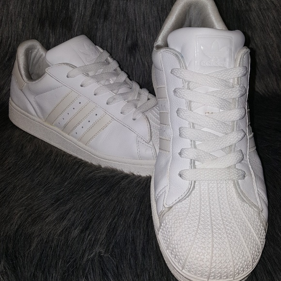 le adidas allstar scarpa shelltoe poshmark